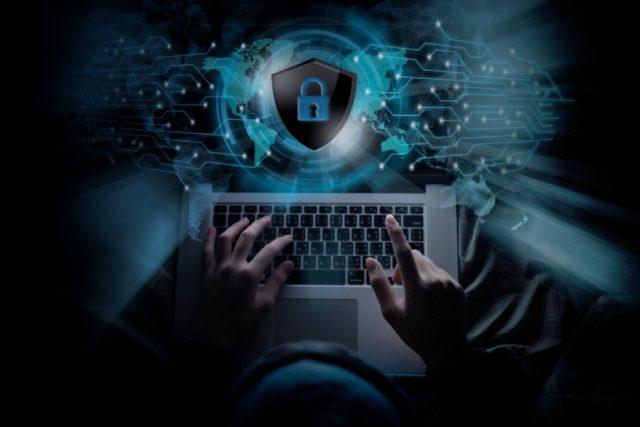 Wie wir die besten Dienste zum Schutz vor Identitätsdiebstahl testen und auswählen?